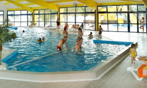 001camping-piscine-interieure-lucon-vendee